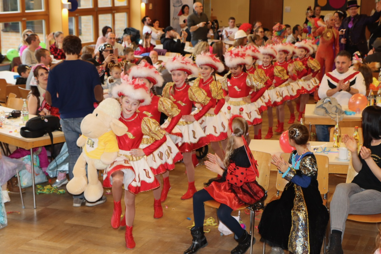 526 1 Kinderfasching