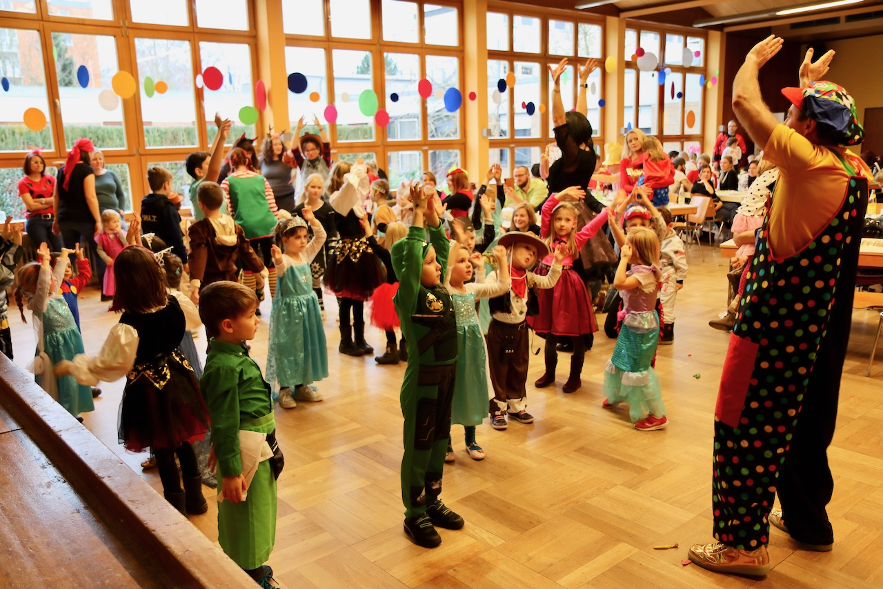 526 2 Kinderfasching
